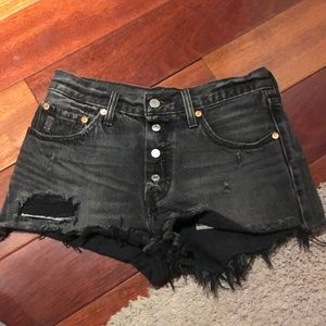 501 Levi denim shorts